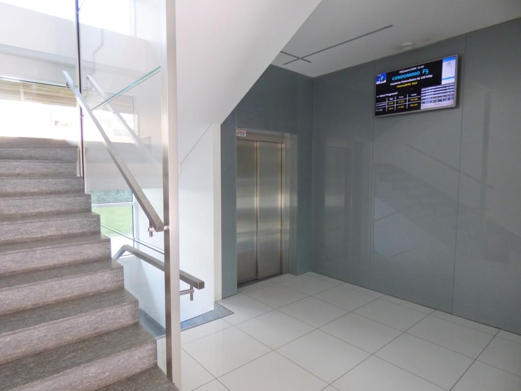 ingresso/display pannelli/ascensore